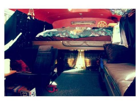 short bus | Mobile Minimalist